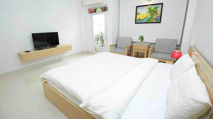 One bedroom apartment near Nguyen Du