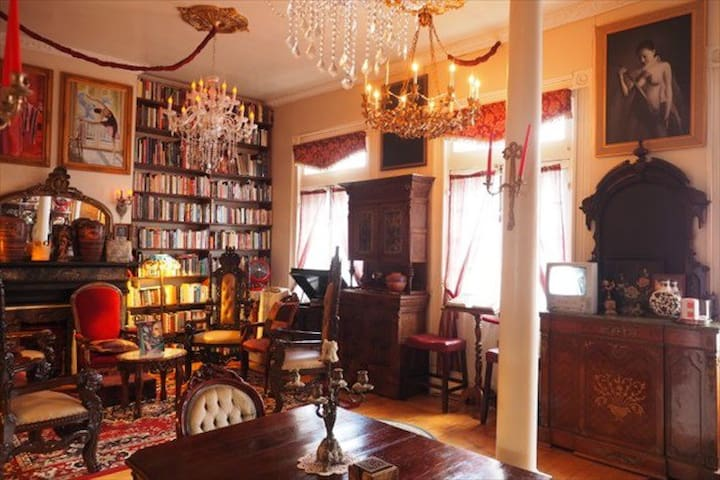 French Quarter, 7 bdr, Bourbon Balcony!New Orleans - New Orleans - House