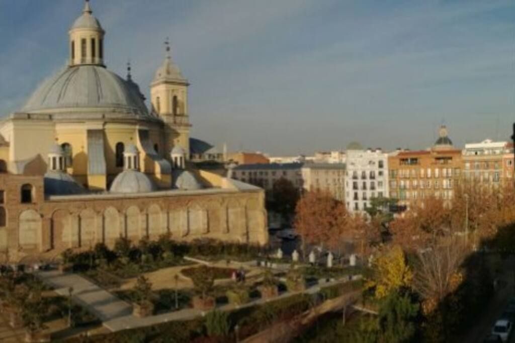 Views of Basilica de San Francisco and Calle Bailen