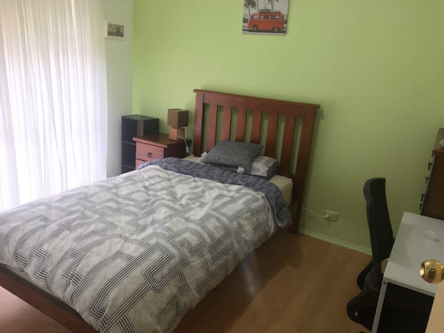 Clean Room available-females only