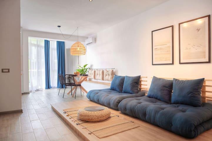 Cosmic Apartment at the Sea in Alezzi beach resort