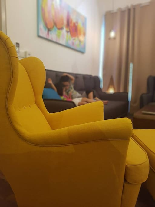 Comfy Striking Yellow armchair