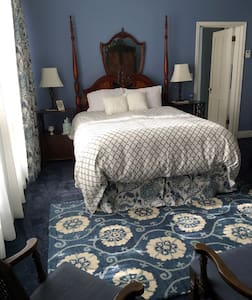 The Wedgewood Suite @ The Yardley Inn and Spa - Manti
