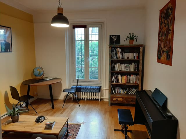 Cozy apartment near Paris