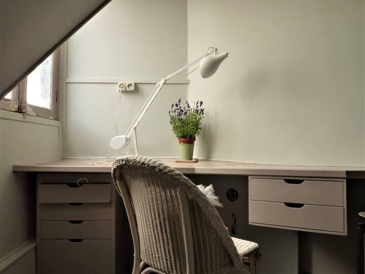 Cute student room in elegant arrondissement