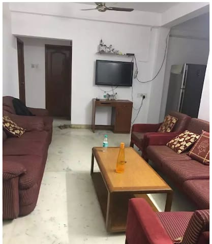 Comfort in heart of city, near beach. Female only