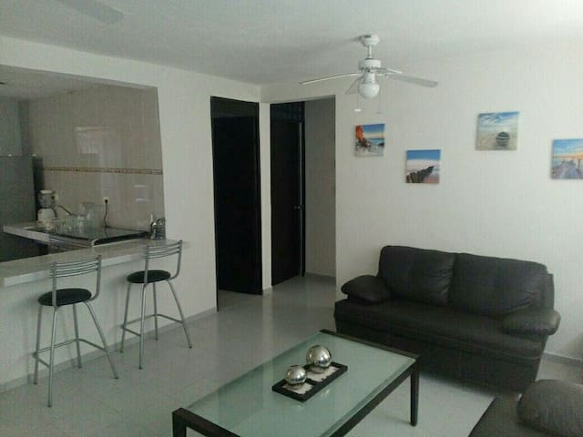 Sunset Apartment, Two Bedroom W/AC Great Location - Cancún - Huoneisto