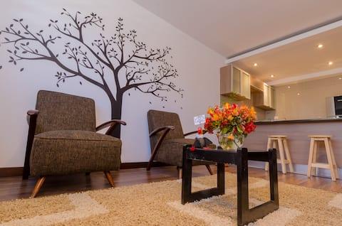 Beautiful apartment. Great location! Studio Sur