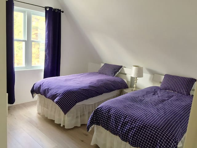 Second Bedroom with Double Twin Beds
