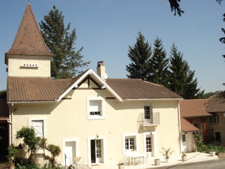 2 Chambres d'hôtes à proximité de Périgueux