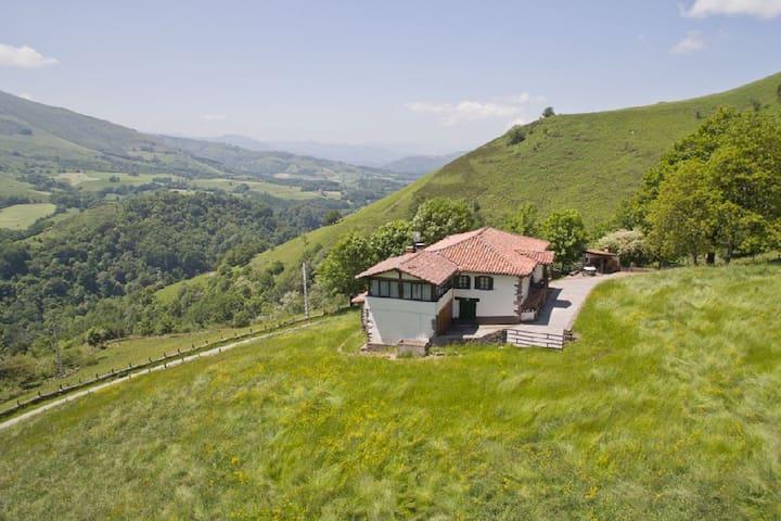 Casa en la montaña - Baztan - Hus