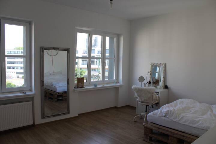 Bright Room in City Center - Bonn - Apartment