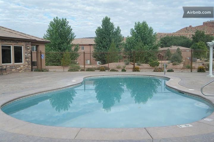 Comfy Townhome Near Zion, Bryce, Grand Canyon