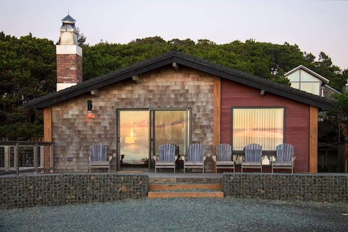 Modern Oceanside Cabin-180º Views! - Manzanita - Casa