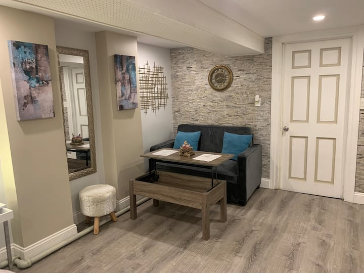 Gorgeous Modern Private Room! *Not a Shared Space*