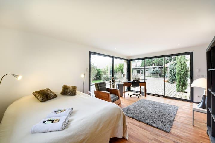3 chambres dans maison de charme - Quinsac - Rumah