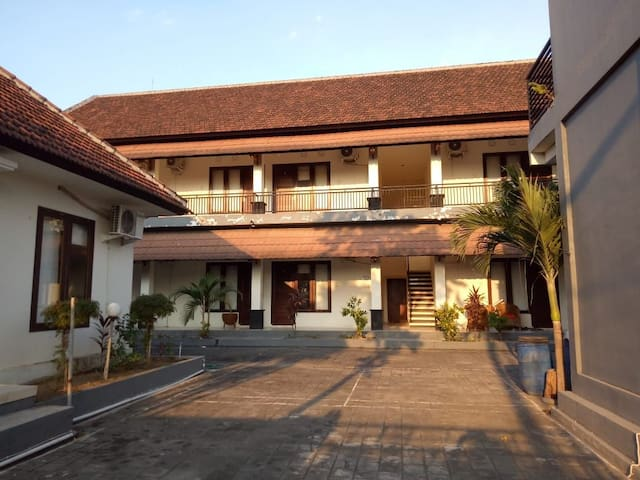 Giri Puspa Guest House Bali