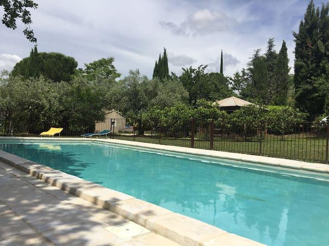 Le Mazet de Fanny et Laurent avec piscine chauffée