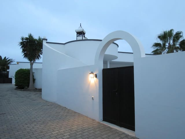 MAIN ENTRANCE OF THE HOUSE