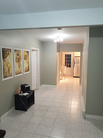 Nice apartment in Dorval area