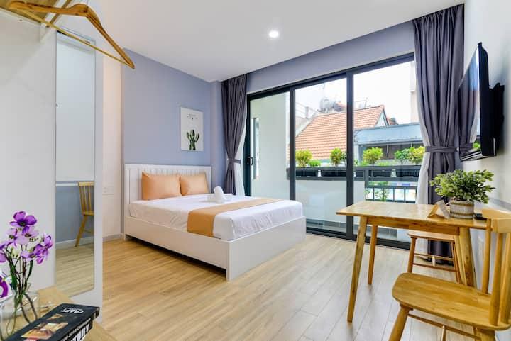 Cozrum Homes - 1BR w Cozy Loft @Beautiful Balcony