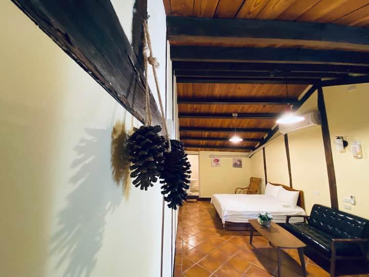 溫馨檜木居 Cypress House- 兩人房 Queen Bed