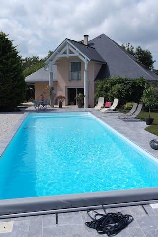 STOR EKSKLUSIV VILLA nær Pau - Saint-Castin - Rumah