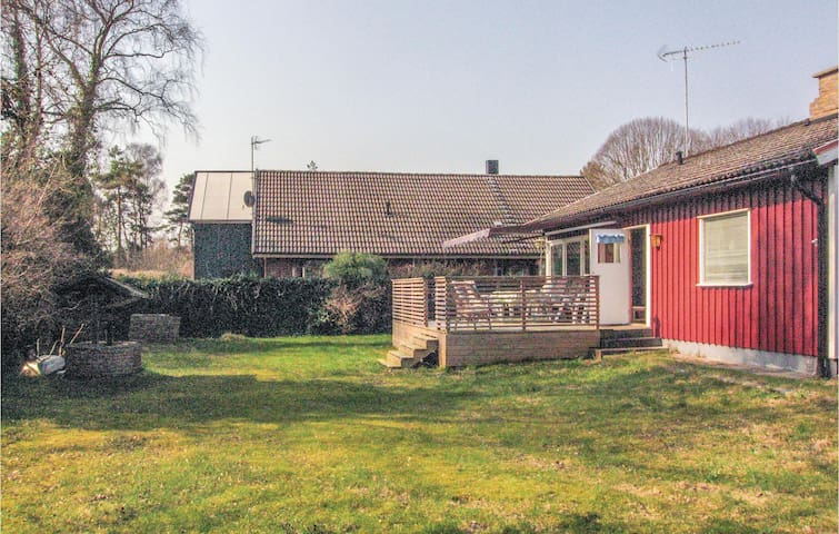 Holiday cottage with 2 bedrooms on 65m² in Beddingestrand