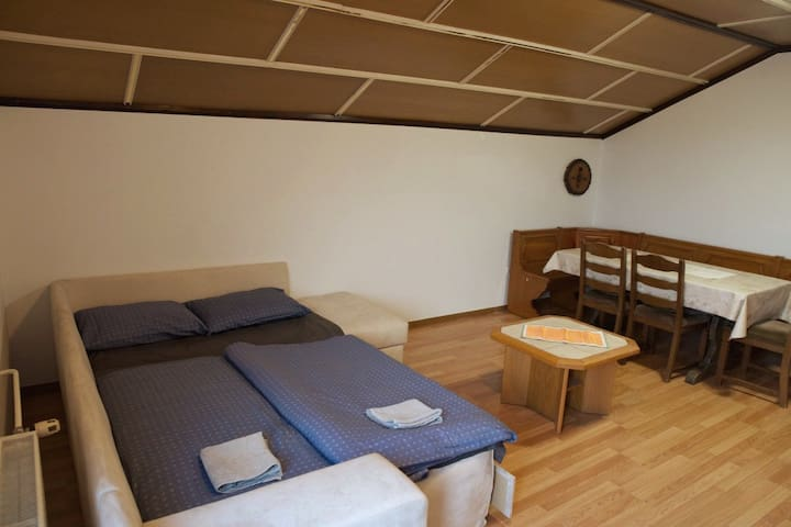 2 private rooms for 3 w/ private parking & balcony