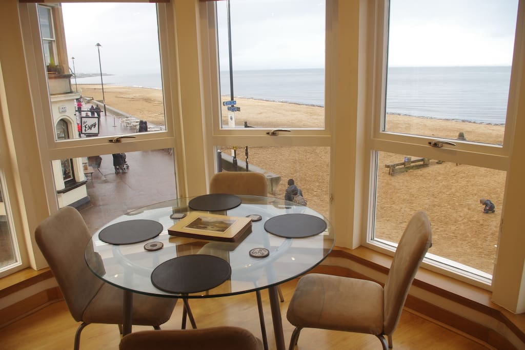 Dining area overlooking the beach