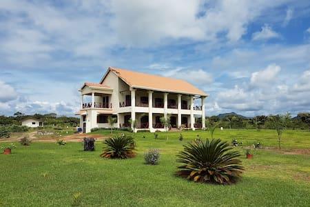 Las Acacias: Colonial style mansion, Penonome.