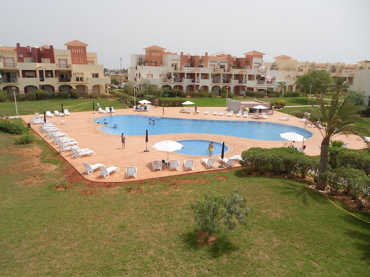 SAIDIA MARINA151.APPART 2 CHAMBRES PISCINE PARKING