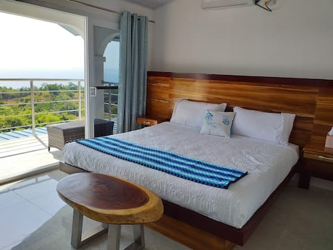 Fully Private Ocean View Luxury Apt w/kitchen 3BDS