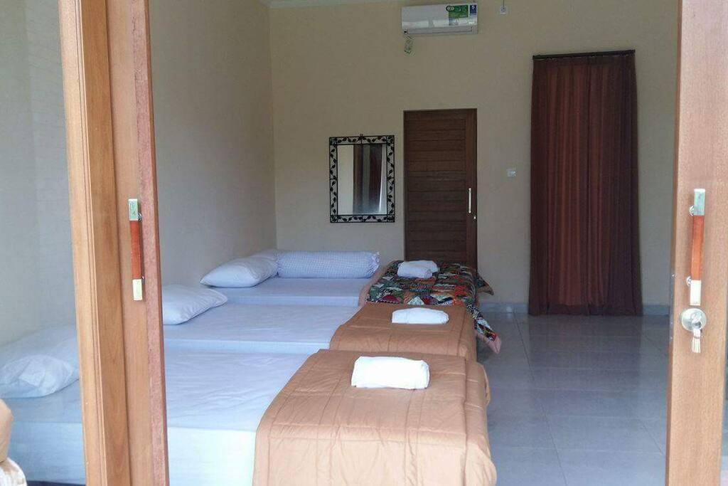4 single room