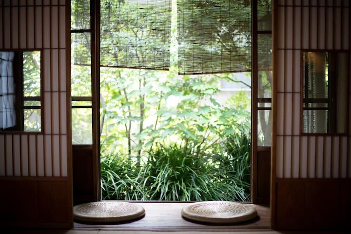 鎌倉の古民家 海まで1分 1 minute to the sea kamakura