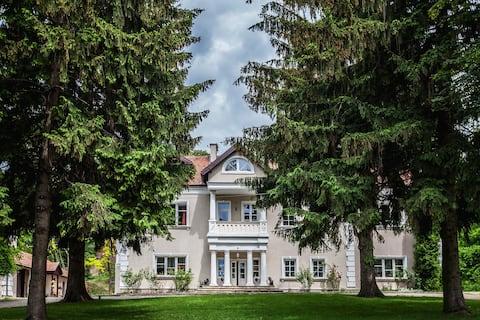 Manor House Odonów