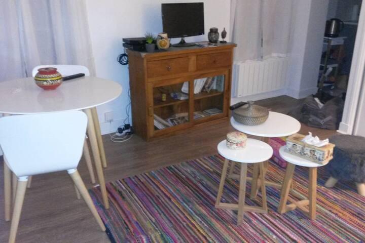 Cosy little apartment in Gambetta, Paris