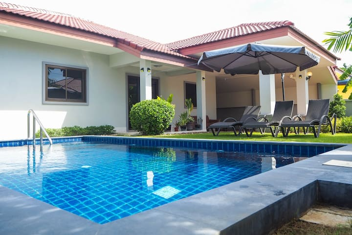 Lovely 2 BR Private Pool Villa with Kitchen