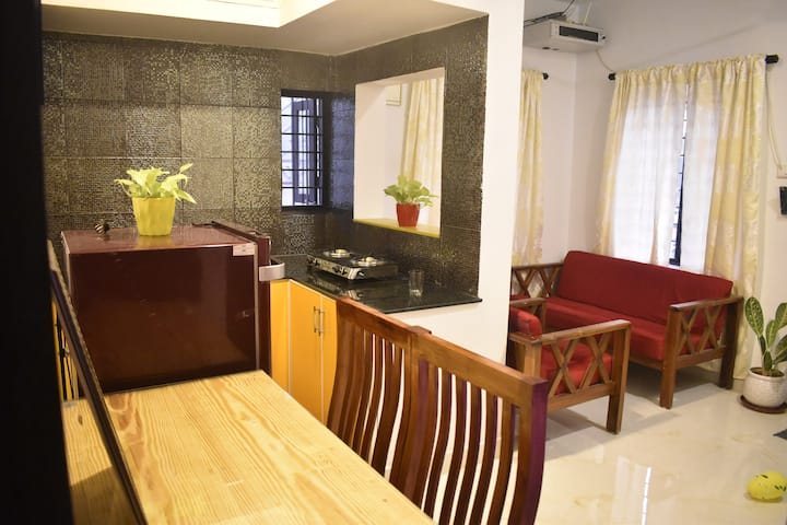 Fully furnished 1 bhk apartment near Aster Medcity