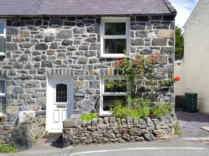 Llanfairfechan Cottage, Llanfairfechan Village