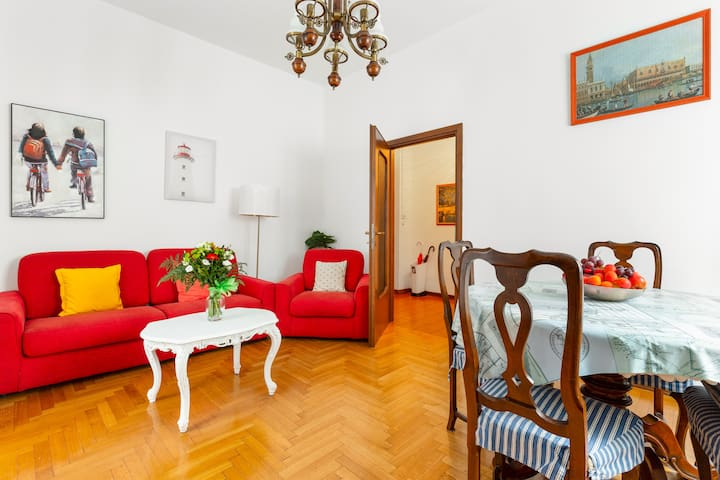 NEW! M1 Inganni ★1 bedroom flat & shared Garden★