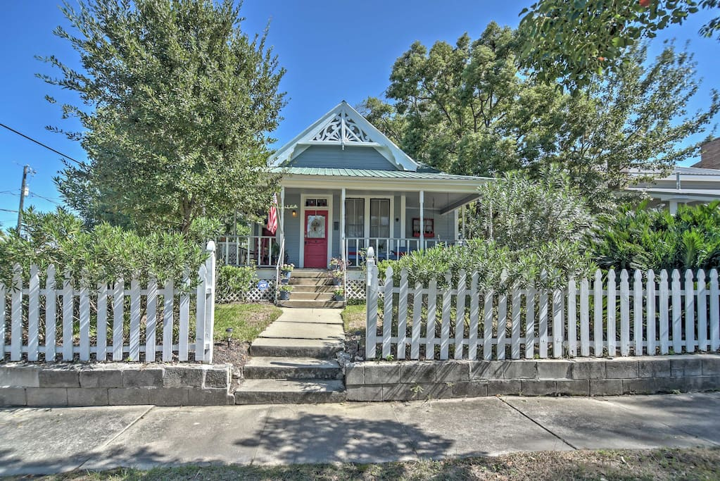 This 3BD, 2BA property accommodates up to 9 guests!