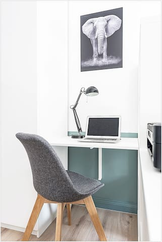 Coin bureau avec imprimante (PC non fourni)