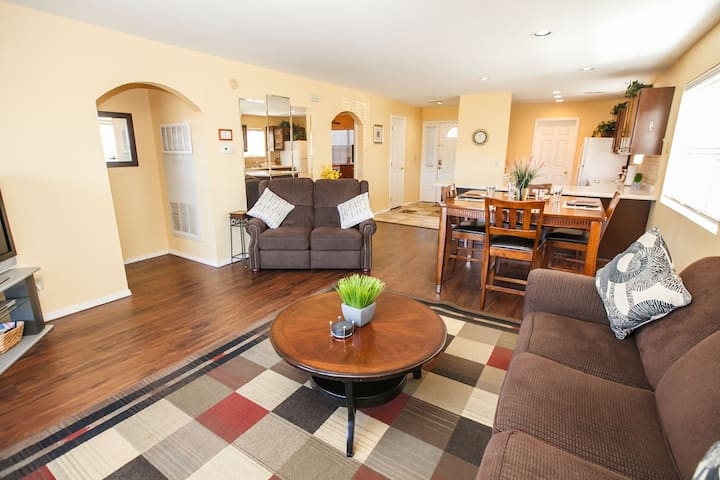 No Stairs! Super Clean-Massage Chair-Grill-2BR 2B
