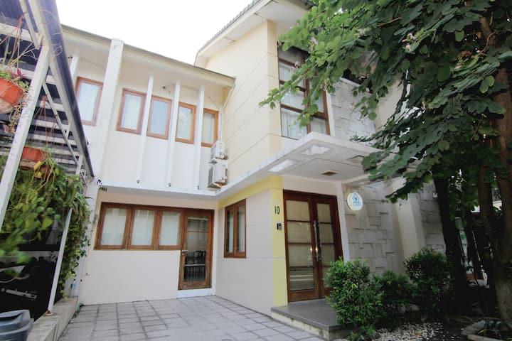 W House Neo 10 (Dekat Alkid)