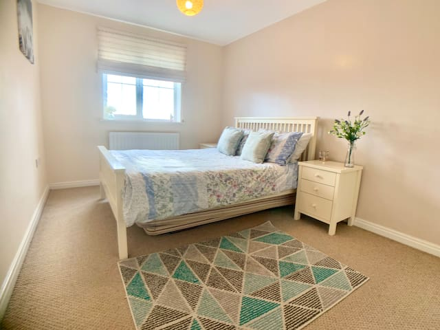 Double bedroom with pull out bed