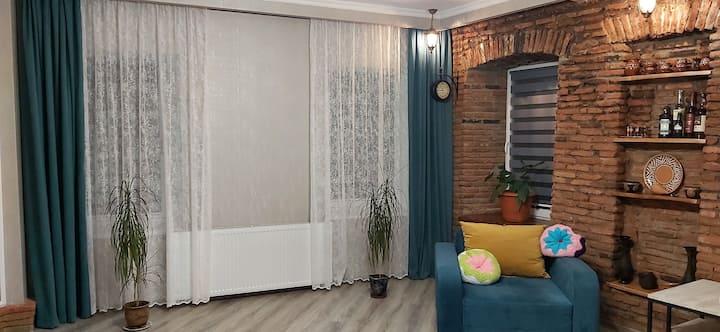 Hellen's apartment on Chonkadze street 10