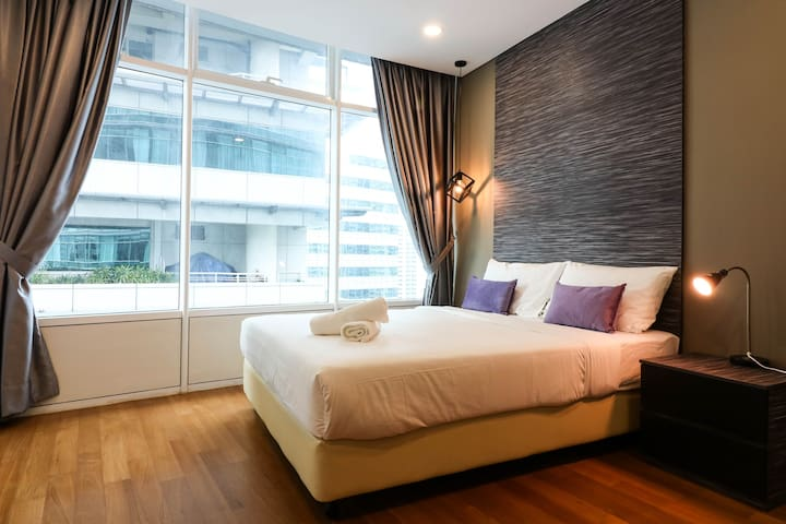 Near KLCC w/ Pool & Gym || 5min walk LRT, Monorail
