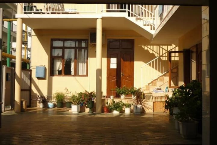 Сдаются номера в гостевом доме у моря  Чкалова 30 - Adler - Bed & Breakfast