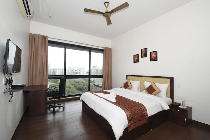 PVT ROOMS @ PUNE WITH FREE BREAKFAST